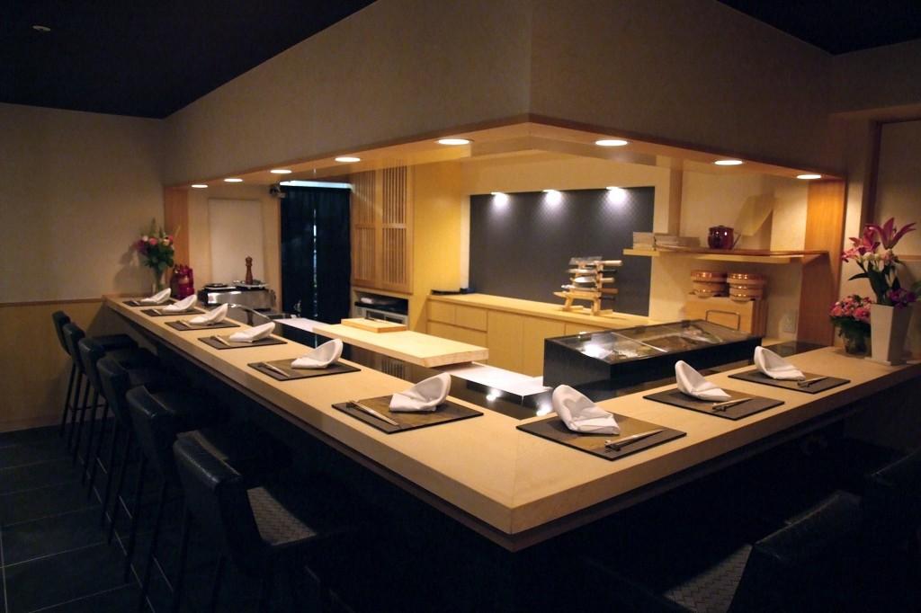 Sushi cuisine Tozaki《寿司割烹 濤崎》